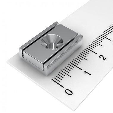 Neodymium platte blokmagneet in stalen profiel 20x13,5x5 mm met boring en verzinking