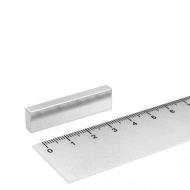 40x10x5 mm vernikkeld N45