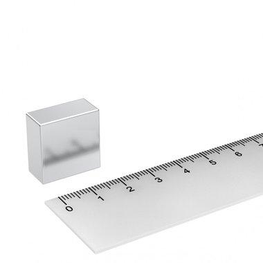 20x20x10 mm vernikkeld N45