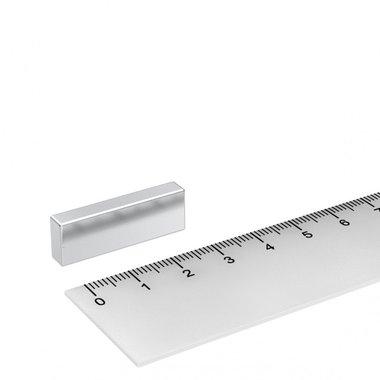 30x10x5 mm vernikkeld N45