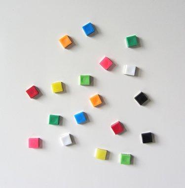 Vrolijke vierkante neodymium magneetjes - set van 18 stuks